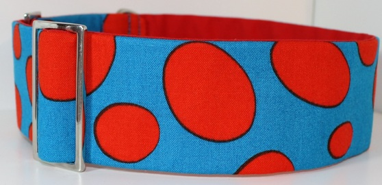 Bright funky martingale collar